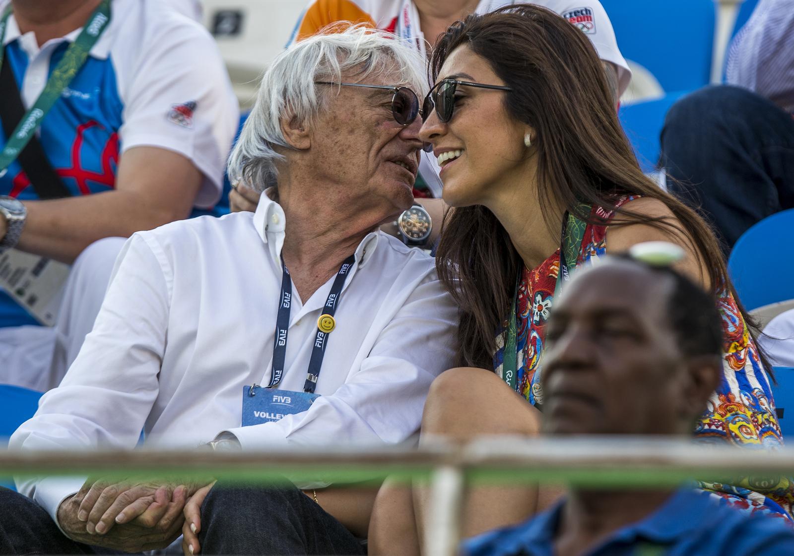 Глава Формулы-1 Берни Экклстоун со своей молодой супругой был замечен не одной из олимпийских трибун