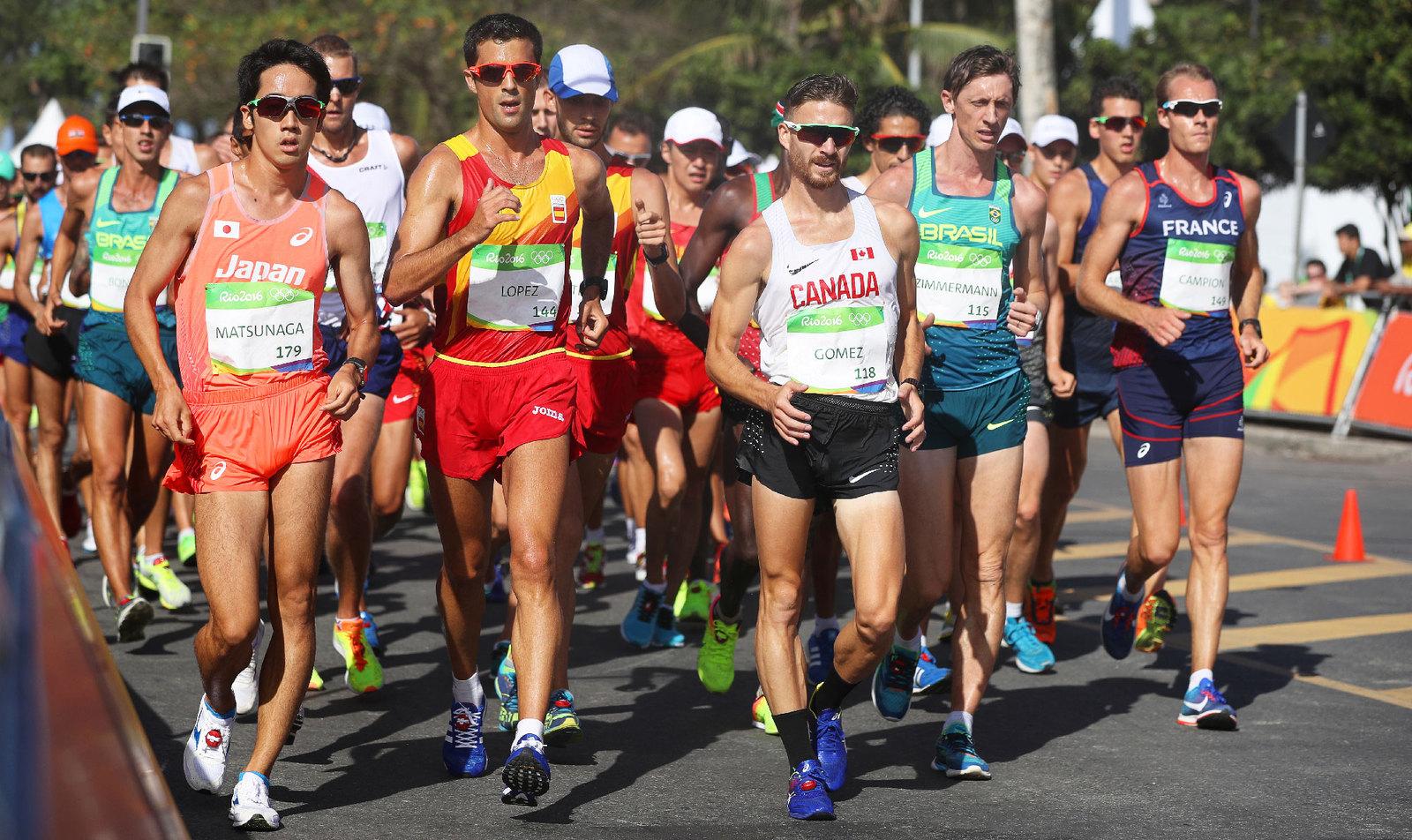 Спортивные ходоки начали соревнования за медали