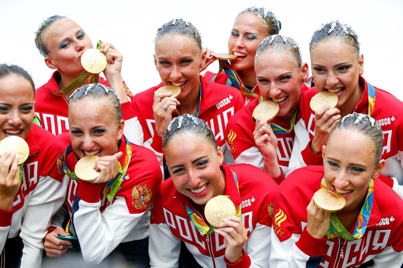 Российские синхронистки в золотыми медалями