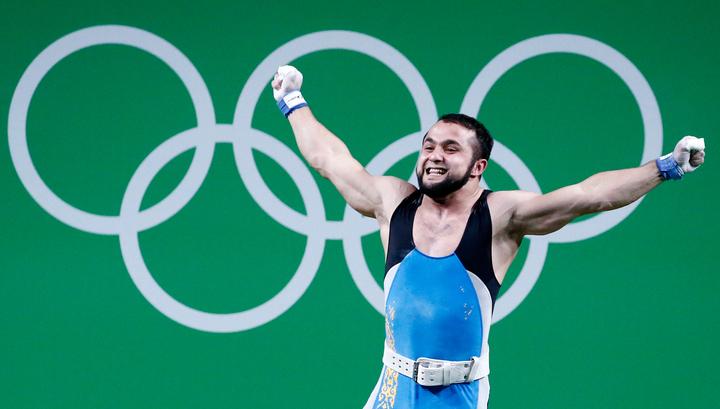 Тяжелоатлет Рахимов завоевал первое «золото» Олимпиады вРио вкопилку Казахстана