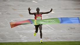 Самую длинную олимпийскую дистанцию первым преодолел кениец Элиад Кипчоге