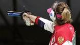 Молодая россиянка Виталина Бацарашкина выиграла для своей команды серебро в стрельбе из пистолета