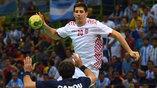 Хорват Марко Мамич забивает в аргентинские ворота