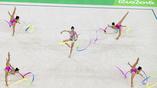 Сборная России по художественной гимнастике исполняет свой номер в групповых упражнениях
