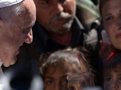 папа франциск увез греции мусульманских семьи