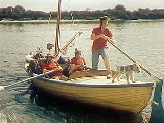 плыли в лодке трое