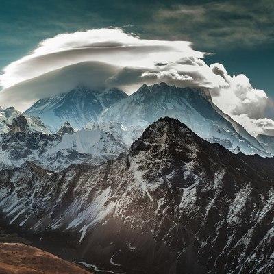 Российский турист пропал в непальских Гималаях
