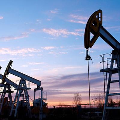 Мировые цены на нефть растут на фоне сокращения количества  работающих буровых установок и газодобывающих объектов в США