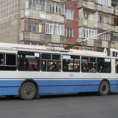 На юго-западе Москвы загорелись троллейбусные провода
