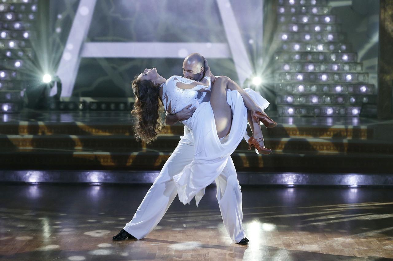 Танцы со звездами алена водонаева и евгений папунаишвили 12 фотография