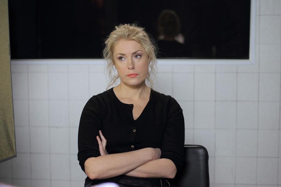 Сериал Своя - чужая Ищейка смотреть 1 сезон онлайн