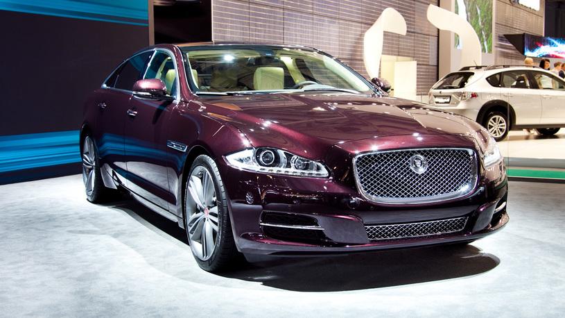Автовладелец из России отcудил 40 млн рублей за бракованный Jaguar
