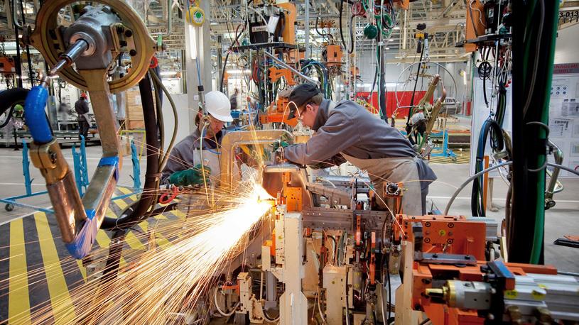Власти Японии обыскивают заводы Nissan