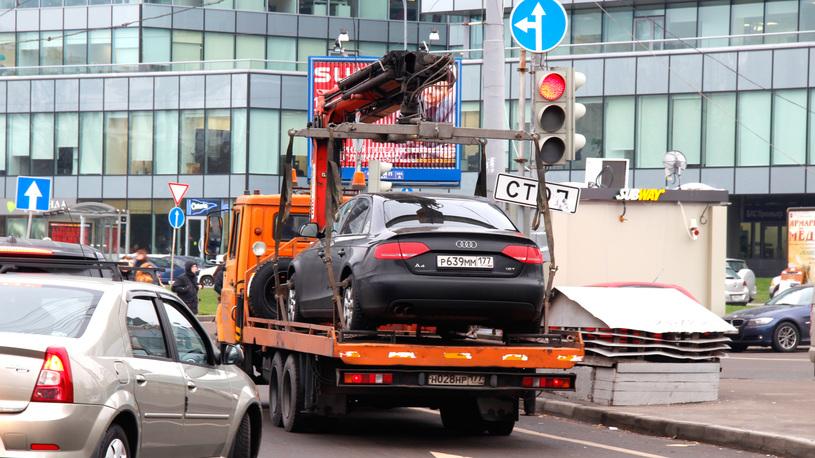 За езду без прав предлагают отбирать автомобили