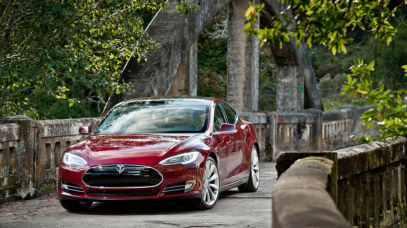 Tesla в России может подешеветь вдвое: электромобилям хотят вернуть льготы