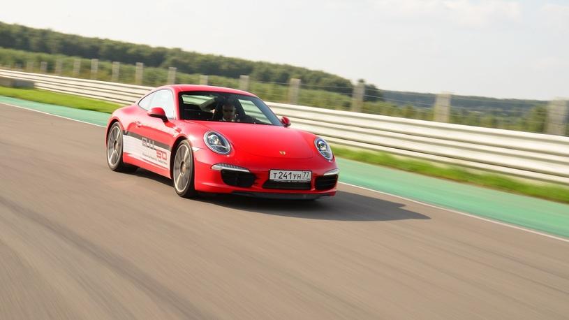 Занимаемся физикой в школе вождения Porsche