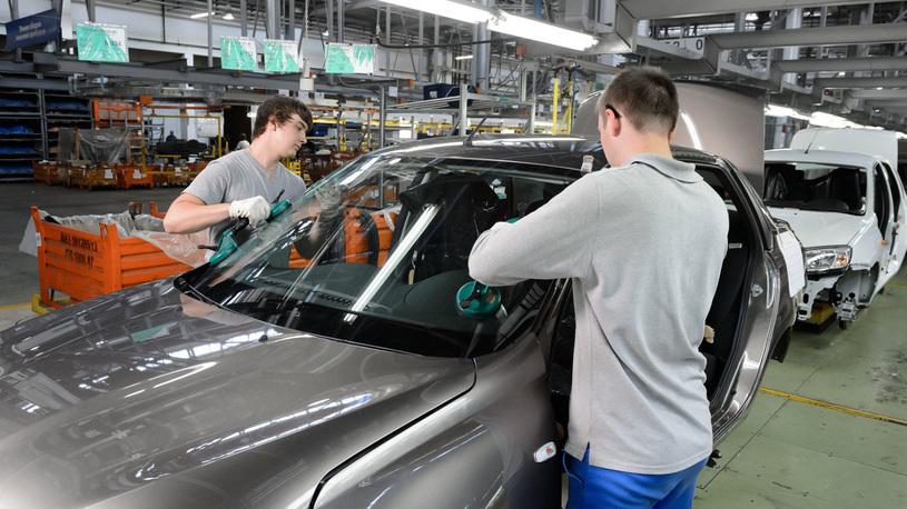 Работник АвтоВАЗа два года майнил биткойны прямо в цеху