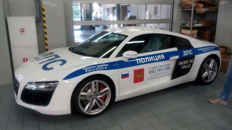 Столичная ГИБДД получит спорткары и пикапы