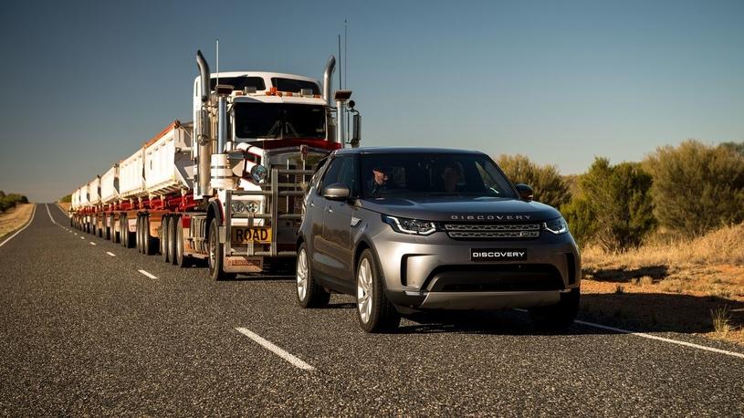 Новый Land Rover Discovery смог утащить 100-метровый автопоезд