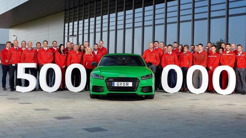 Спорткупе Audi TT отметило сразу два крупных юбилея одновременно