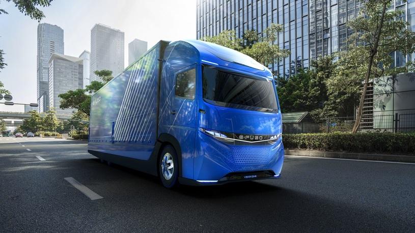 Daimler выпустил электрический грузовик раньше