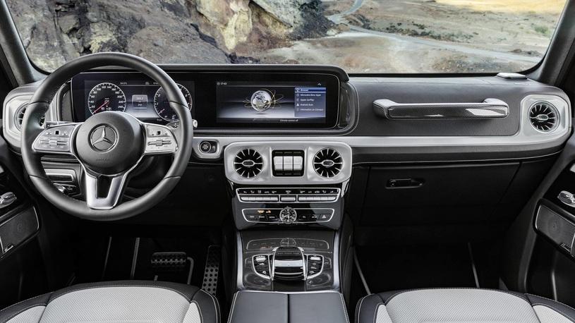 Новый Mercedes-Benz Gelandewagen: кирпич снаружи, E-class внутри