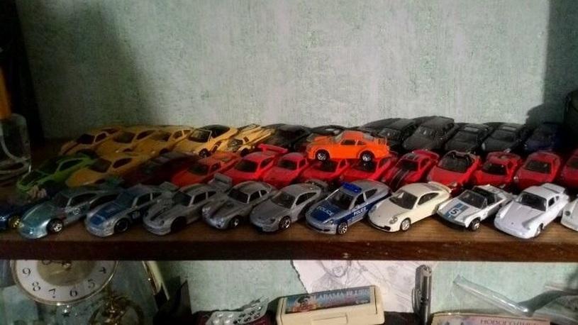 В Туле выставили на продажу коллекцию моделек Porsche за 10 млн рублей