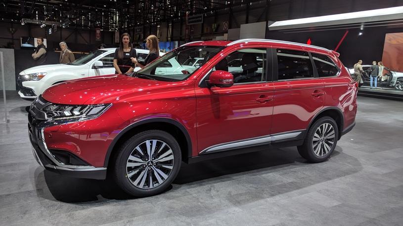 В Россию приедет новая версия Mitsubishi Outlander