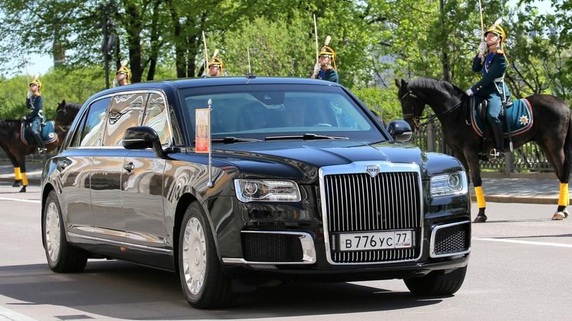 Путин поручил сделать автомобили