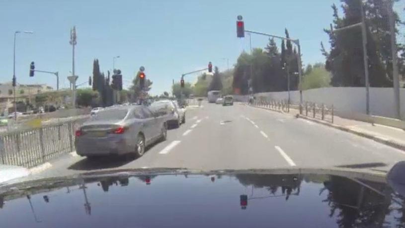 Израильский беспилотник проехал на красный свет прямо во время презентации
