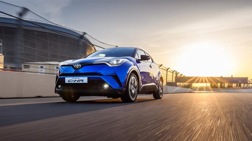 В России стартуют продажи нового кроссовера Toyota