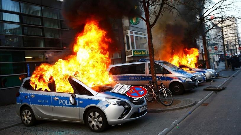 Франкфуртский автосалон под угрозой срыва из-за бесчинства вандалов