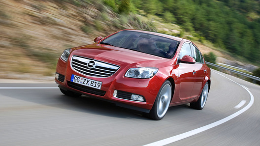 Opel Insignia с дизельным двигателем доступна для россиян за 943 800 рублей
