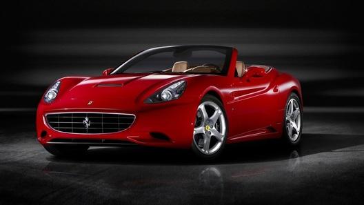 Ferrari открыла в Дубае свой самый крупный автосалон