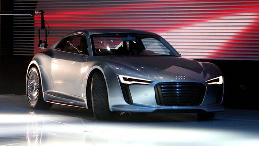 E-tron, дубль 2: в Детройте Audi показала уменьшенную копию прошлогоднего концепта