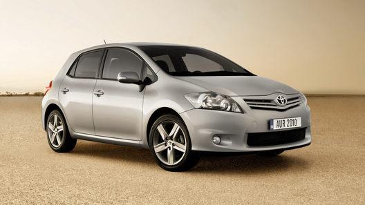 Обновленная Toyota Auris: зевоте вопреки