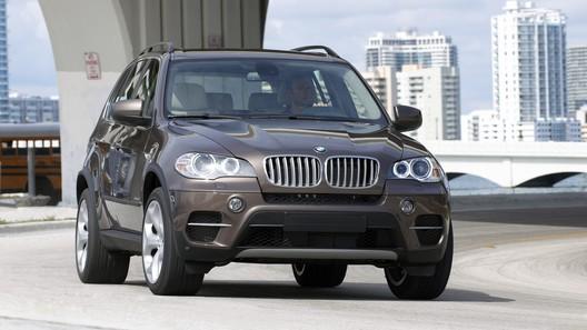 Обновленный BMW X5: рестайлинг и расширение гаммы моторов