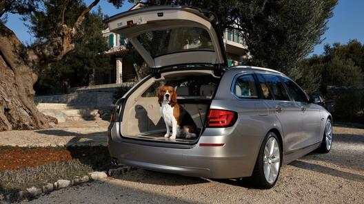 BMW представила универсал Touring 5 Series