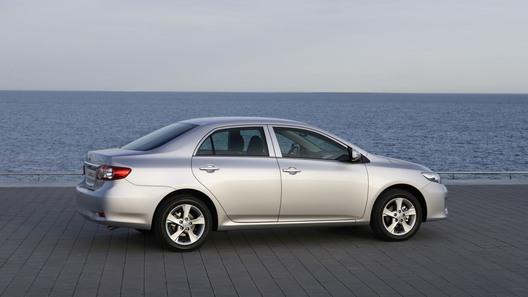 Toyota Corolla получила к сезону свежий облик