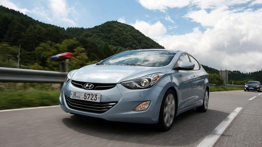Опубликованы новые фотографии Hyundai Elantra