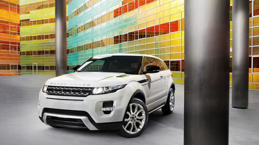 Британцы опубликовали новые фотографии Range Rover Evoque