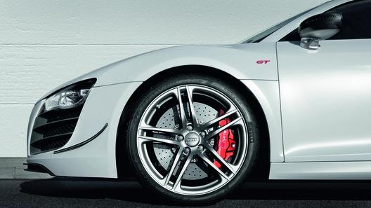 Audi рассказала все о своем самом мощном суперкаре Audi R8 GT