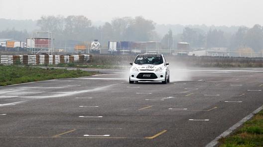 Компания Ford представила на подмосковной трассе в Мячково две спецверсии модели Fiesta