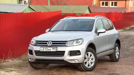 Volkswagen Touareg стал дешевле и богаче