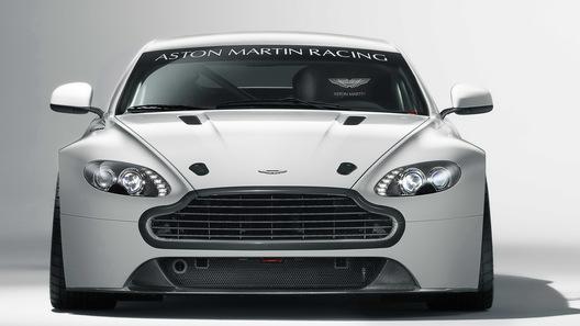 Aston Martin обновляет гоночный Vantage GT4