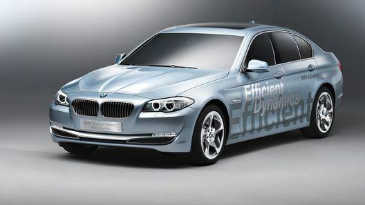 BMW покажет гибридную