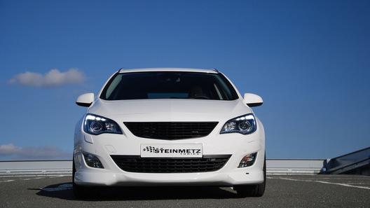 Opel Astra Sports Tourer слегка преобразили немецкие тюнеры