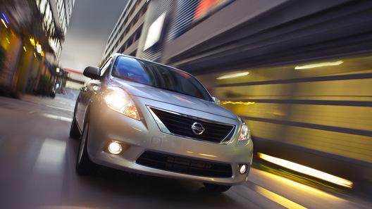 На автосалоне в Нью-Йорке Nissan показал седан за 11 тысяч долларов
