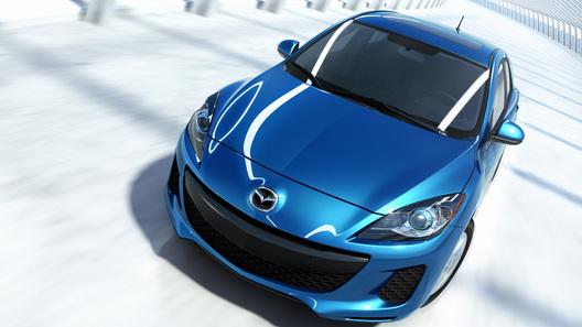 В Нью-Йорке публике представили обновленную Mazda3