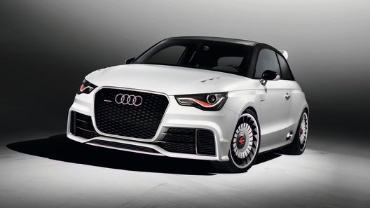 Audi представил 500-сильную